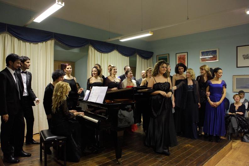 Osimo, Sede Accademia d'Arte Lirica – 11 dicembre 2011. Solisti dell'Accademia d'Arte Lirica, al pianoforte Mirca Rosciani, Alla Simoni e Riccardo Lorenzetti.