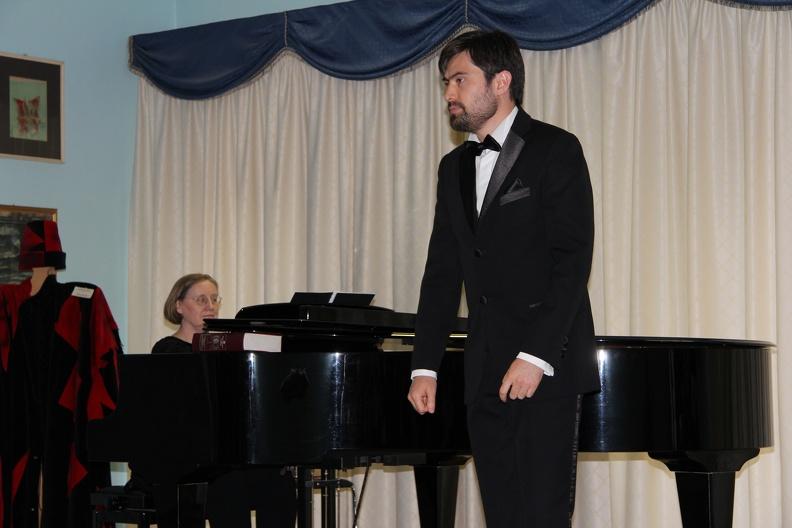Osimo, Sede Accademia d'Arte Lirica, Sala Mozart – 29 aprile 2012. Solisti dell'Accademia d'Arte Lirica, al pianoforte Harriet Lawson.