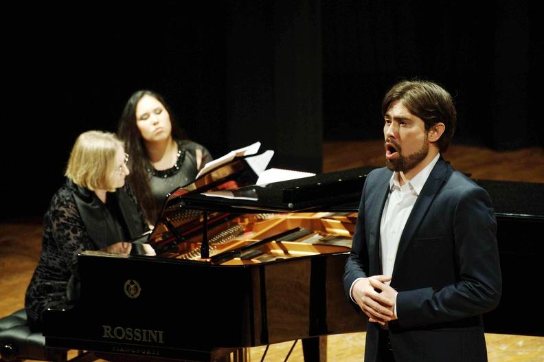 Osimo, Teatro La Nuova Fenice – 28 aprile 2013. Solisti dell'Accademia d'Arte Lirica, al pianoforte Harriet Lawson.