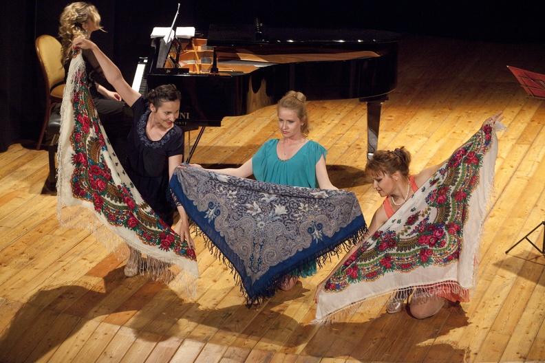 Osimo, Teatrino Campana – 7 giugno 2013. Solisti dell'Accademia d'Arte Lirica, al pianoforte Mirca Rosciani.