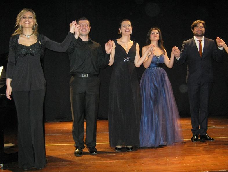 Montegranaro, Auditorium Officina delle Arti – 14 aprile 2013. Solisti dell'Accademia d'Arte Lirica, al pianoforte Mirca Rosciani.