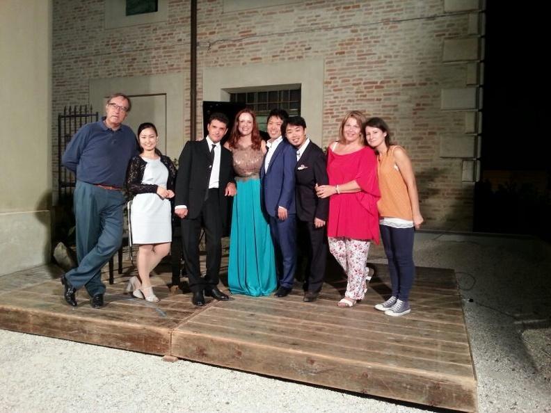 Osimo, Cortile Palazzo Simonetti – 10 agosto 2015. Solisti dell'Accademia d'Arte Lirica, pianoforte Alessandro Benigni.