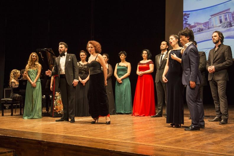 Osimo, Teatro La Nuova Fenice - 19 aprile 2015. Musiche di Rossini, Donizetti, Bellini, Verdi, Puccini. Solisti dell'accademia d'Arte Lirica, pianoforte Mirca Rosciani.