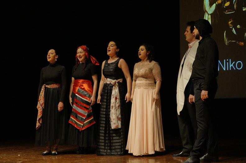 Osimo, Teatro La Nuova Fenice - 2 aprile 2017. Solisti dell'Accademia d'Arte Lirica, al pianoforte Alessandro Benigni e le danzatrici del Centro Formazione Danza di Simona Apostol.