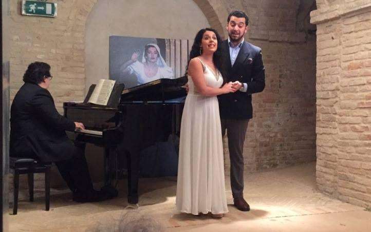 """Potenza Picena, sede Ass. Amici della Musica """"A. e F. Clementoni"""" - 7 aprile 2017. Solisti dell'Accademia d'Arte Lirica, al pianoforte Ettore Papadia."""