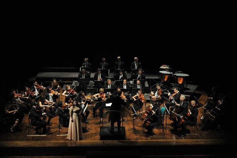 Osimo, Teatro La Nuova Fenice - 19 maggio 2017 Concerto sinfonico vocale: è l'occasione per festeggiare Raina Kabaivanska alla quale il Sindaco di Osimo conferirà la cittadinanza onoraria. Solisti dell'Accademia d'Arte Lirica, Orchestra FORM Filarmonica Marchigiana, direttore Stefano Sarzani.